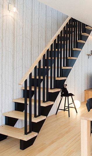 ワンズキューボ 無垢の階段