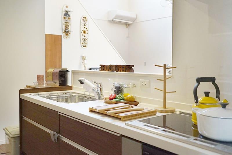 千葉県千葉市稲毛区黒砂モデルハウスZERO-CUBE+BOX SKYBALCONYキッチン