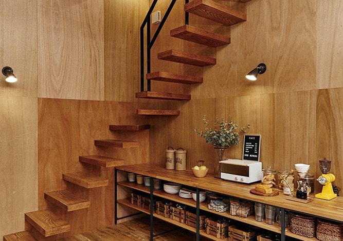 ベントハウス(BENTO HOUSE)内観 階段